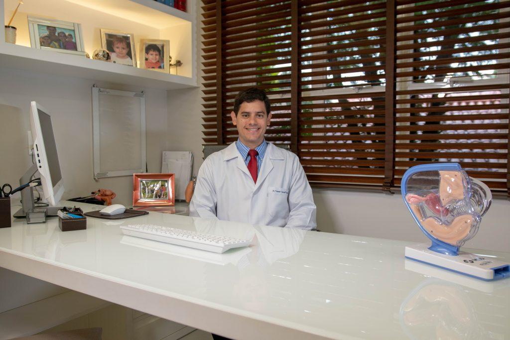 Médico ginecologista especialista em DIU