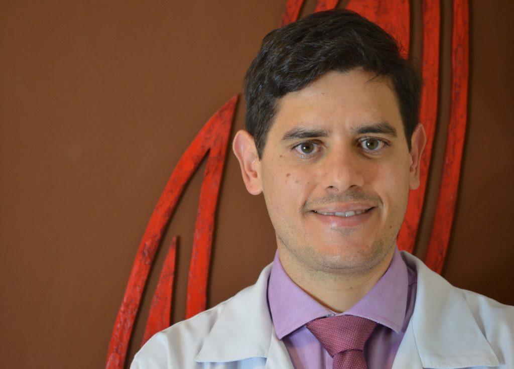 Médico especialista em ninfoplastia